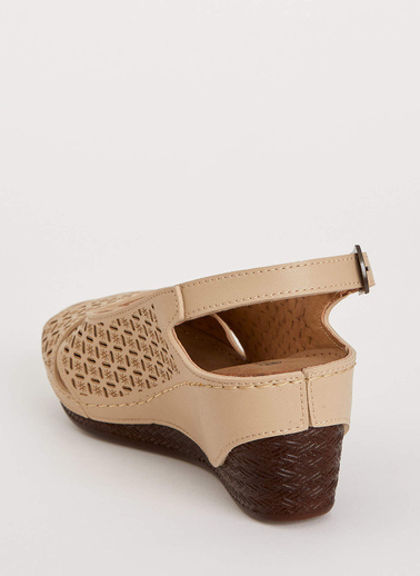 DeFacto Topuklu Sandalet Bej